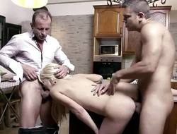 Blonde housewife gets her cunt hammered
