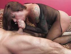 Beauty Mason Moore devours this hard pecker