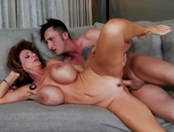 Brunette bombshell Ike Diezel does to make her sex partner bust a nut