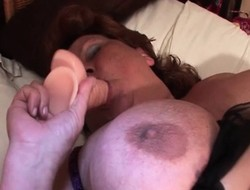 Large dildo pleasing mature hungry snatch