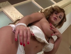 With biggest breasts and bald snatch cant live a day without dildoing her muff