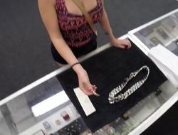 Desperate chick willing to sucked cock in the shop in exchange of her chain