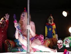 Clown Leya Falcon messes with her minge
